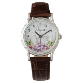 Lila und rosa Watercolor-Magnolien-Weiß-Marmor Uhr