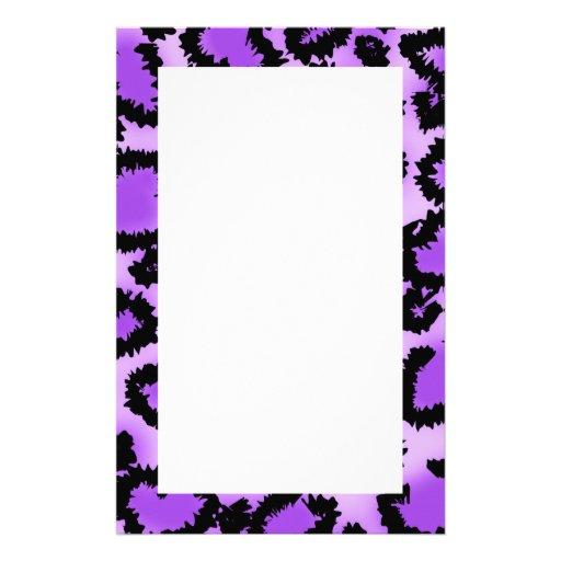 Lila und schwarzes Leopard-Druck-Muster Personalisiertes Druckpapier