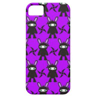 Lila und schwarzes Ninja Häschen-Muster iPhone 5 Etui