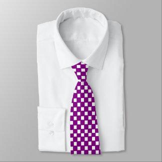 Lila und Weiß überprüfte Krawatte