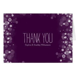 Lila und weißer Traumconfetti Bokeh danken Ihnen Karte