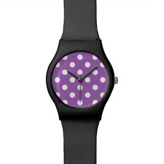 Lila und weißes Polka-Punkt-Muster Uhr