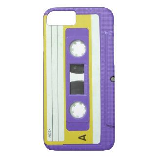 Lila Vintage Retro Audiokassette iPhone 8/7 Hülle