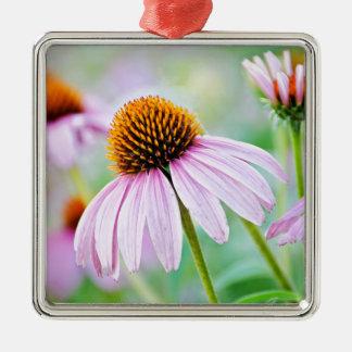 Lila Wildblumen Quadratisches Silberfarbenes Ornament