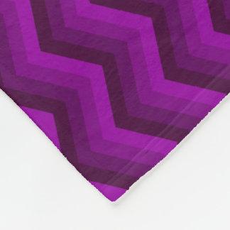 Lila Zickzack-Fleece-Decke Fleecedecke