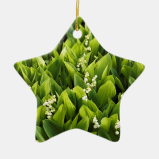 Lilie des Tal-Blumen-Fleckens Keramik Ornament