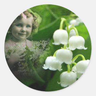 Lilie des Tal-süßen weißen Bell-Blumen-Blumenstrau Runder Aufkleber