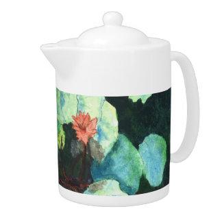 Lilien Wasser-im tropischen Tee-Topf - auf Ferien!