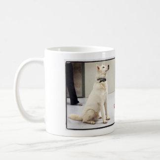 Liliengeschmückte Schale Kaffeetasse