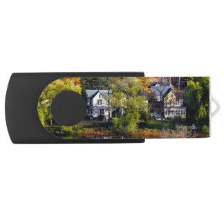 Lilydale USB Stick