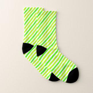 Limone grüne gestreifte Socken