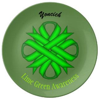 Limones grünes Klee-Band durch Kenneth Yoncich Porzellanteller