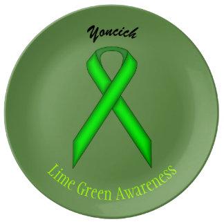 Limones grünes Standardband durch Kenneth Yoncich Porzellanteller