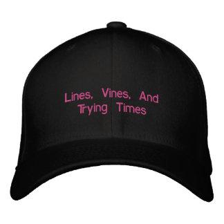 Linien, Reben und versuchende Zeiten Bestickte Mütze