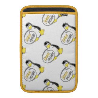 LINUX INNERHALB Tuxs das Linux-Pinguin-Logo MacBook Air Sleeve