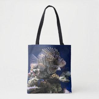 Lionfish im Aquarium Tasche