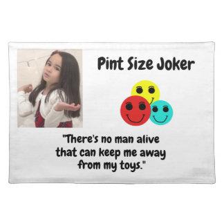 Liter-Größen-Joker-Entwurf: Mann und Spielwaren Tischset