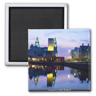 Liverpool nachts, England Quadratischer Magnet