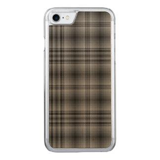 Loch Achilty kariert Carved iPhone 8/7 Hülle