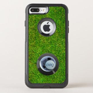 Loch in einem OtterBox Golfball-Monogramm-Golf