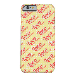 Loco Chargo im mutigen Muster-Hintergrund Barely There iPhone 6 Hülle