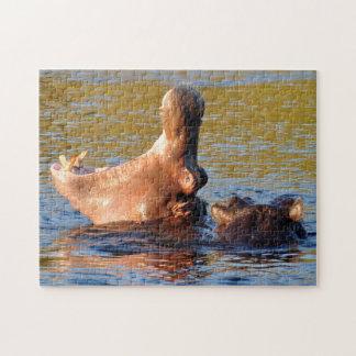 LOL. Flusspferd-Gegähne Puzzle