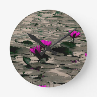 Lotos-Blume Runde Wanduhr