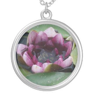 Lotos-Blumen-Wasser-Lilien-Silber-runde Halskette