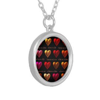 Love is Life Halskette Mit Rundem Anhänger
