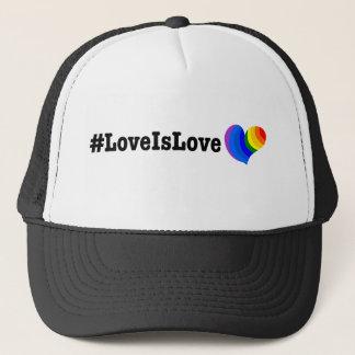 #LoveIsLove hashtag T-Shirt Truckerkappe