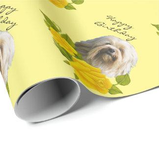 Lowchen auf gelben Rosen Geschenkpapier