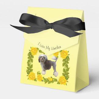 Lowchen und gelbe Rosen Geschenkschachtel
