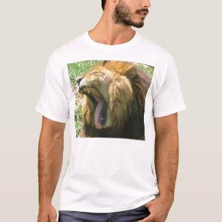 Löwe-Gegähne T-Shirt