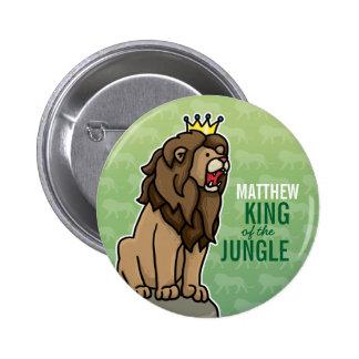 Löwe-König des Dschungels addieren den Namen des Anstecknadelbuttons