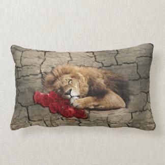 Löweschlafen tierischer wilder Katzenstein Kissen