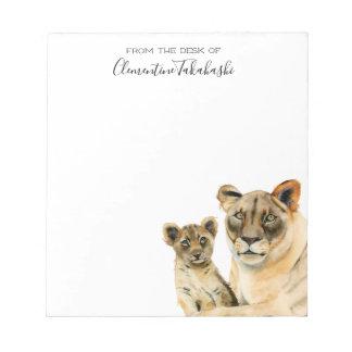 Löwin und CUB | der Mutterschafts-| addieren Ihren Notizblock