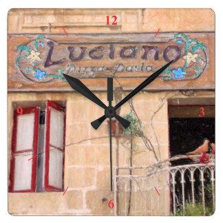 Lucianos Pizza Quadratische Wanduhr