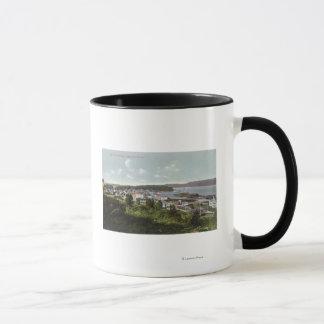 Luftaufnahme der Stadt und der Gurren-Bucht Tasse