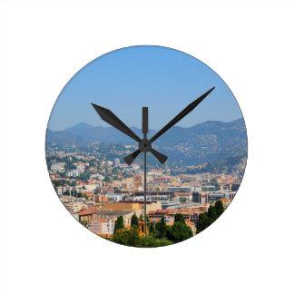 Luftaufnahme der Stadt von Nizza in Frankreich Runde Wanduhr