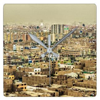 Luftaufnahme Stadtrände der aus Lima, Peru Quadratische Wanduhr