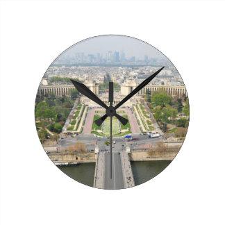 Luftaufnahme von Paris Runde Wanduhr