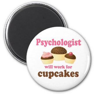 Lustig arbeitet für Kuchen-Psychologen Kühlschrankmagnete