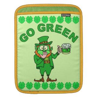 "Lustig ""gehen"" betrunkener Kobold grüner iPad Sleeve"