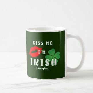 Lustig küssen Sie mich, den ich Kaffeetasse