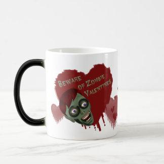 Lustig passen Sie von ZombieValentines auf, die Verwandlungstasse