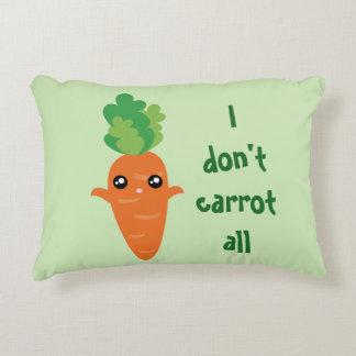 Lustig tue ich nicht Karotte aller Dekokissen