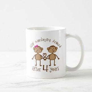 Lustige 4. Hochzeitstag-Geschenke Tasse