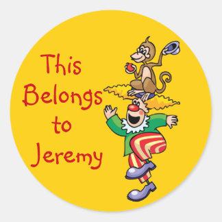 Lustige Affe-u. Clown-Namensschild-Aufkleber Runder Aufkleber