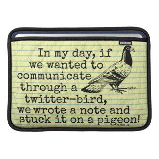 Lustige altes Alters-Twitter-Vogel-Taube MacBook Air Sleeve