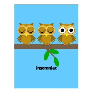 lustige an Schlaflosikeit leidende Eule Postkarte